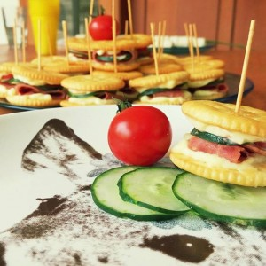 The ritz layer- creative cooking at 24Slides